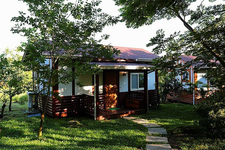 翠谷餐廳獨棟木屋四人套房 - Lugu Township - Nature lodge