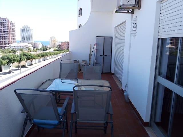 Simples e Simpático apartamento T2 próximo praia