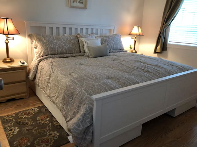 New Pedestal King Bed