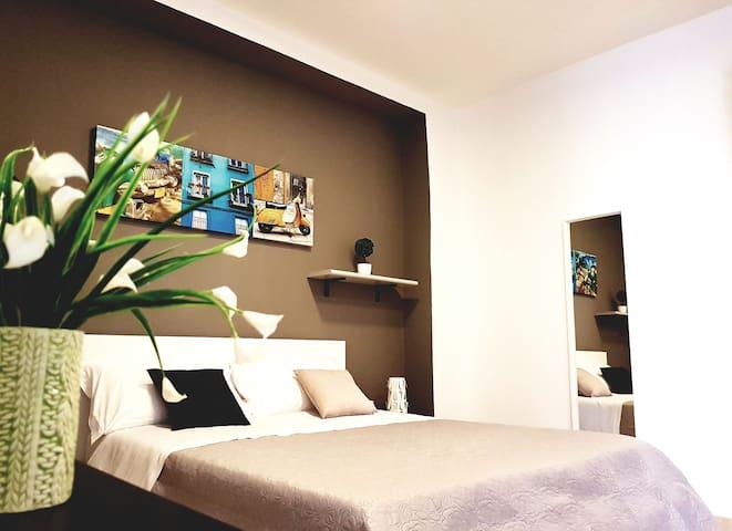 Room n.22 elegante suite per 4 persone max - Taranto - Bed & Breakfast