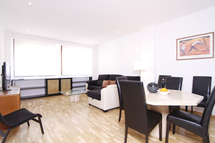 3 BR APARTMENT, 1 MIN. FROM TURIA GARDENS - WIFI - València - Διαμέρισμα