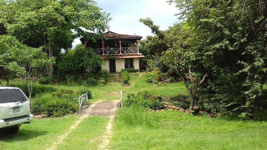 El Espino: plena naturaleza, Mitten in der Natur - El Espino - Casa