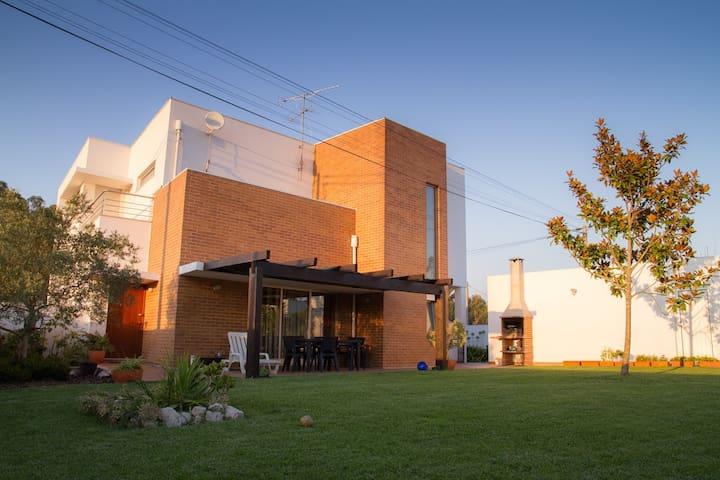 Casa das Quintãs - Oliveirinha - Haus