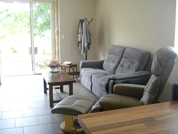 House with 2 bedrooms in La Vineuse, with wonderful mountain view, enclosed garden and WiFi