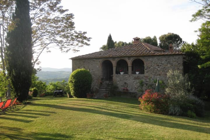 A Romantic Villa in the heart of Tuscany