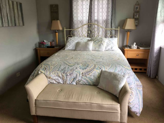 Beautiful room with private bath and many extras!