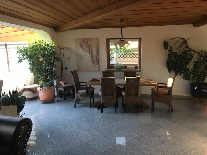 *Munich- Monaco- House - 1 room*