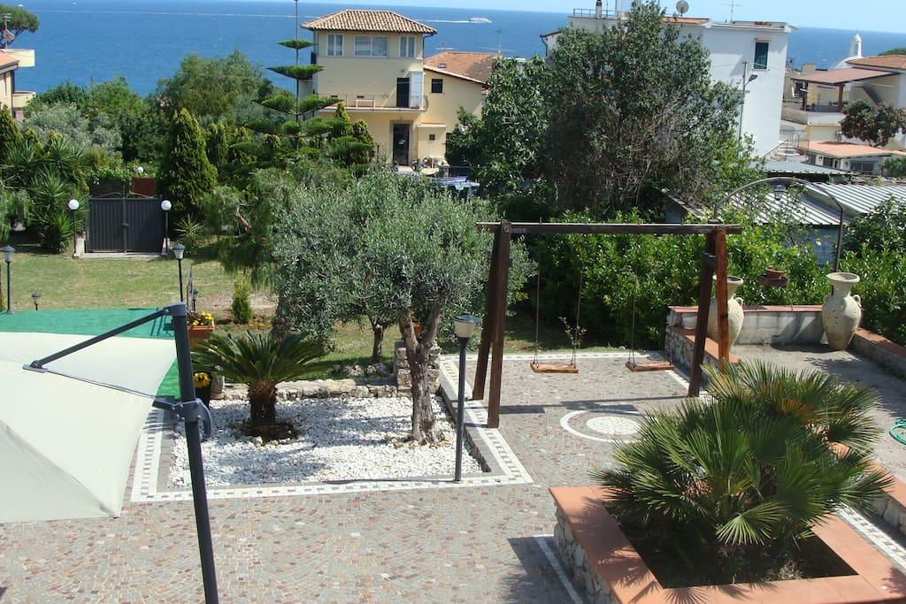 Vista del giardino/View of the garden