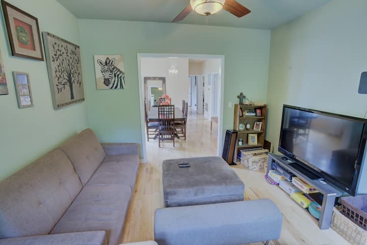 Delightful 3BR 1.2m to beach/NU/downtown Evanston