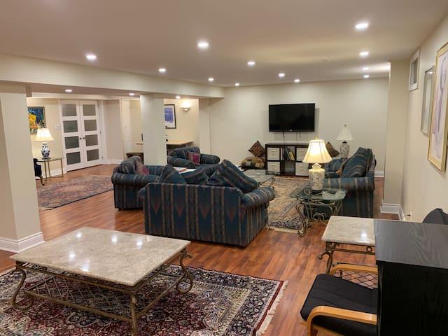 Unionville Luxury 1300+ Square Foot Apartment