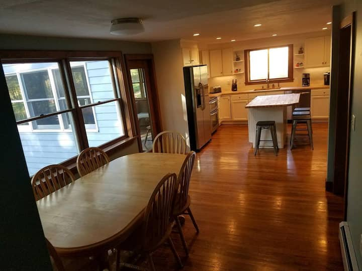 #1 House -- POOL, Private, 6-8 Bedrooms, 6.5 Baths