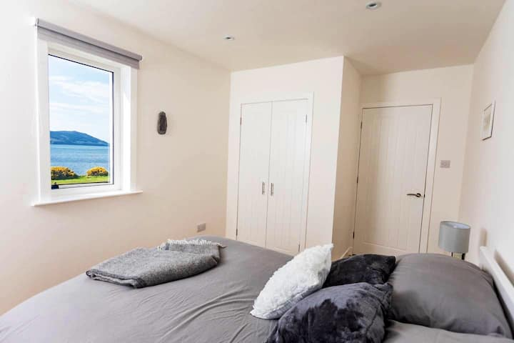 5 miles from Skye with stunning sea views
