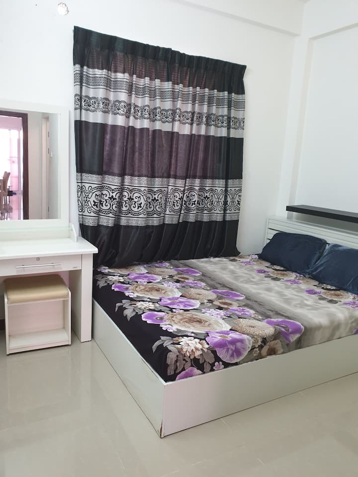Near to park, central mall,1 min walk to bus stop.