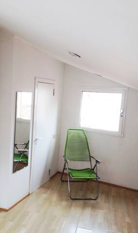 View of the walk-in closet | veduta cabina armadio