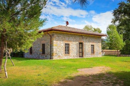 Vintage casa de campo en la Toscana con piscina