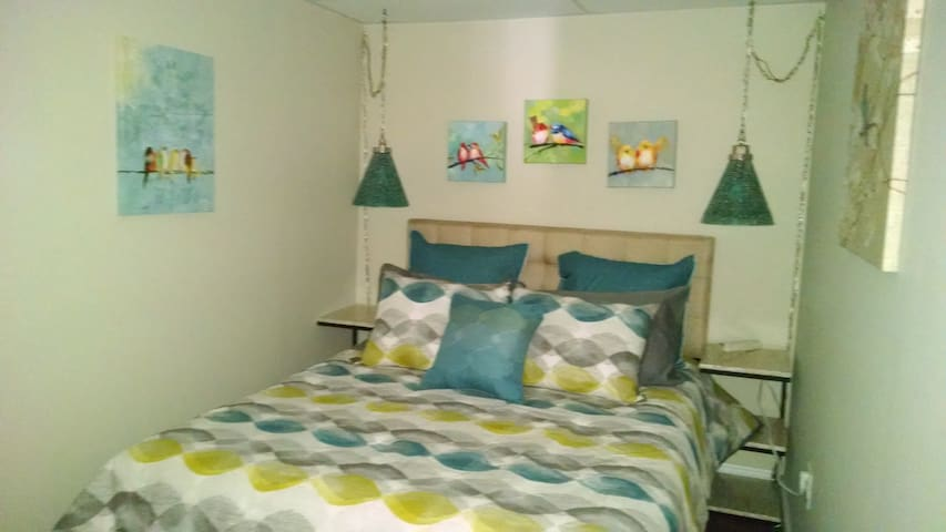 Warm, Cozy Cape Cod Two Room Mini-suite - Barnstable