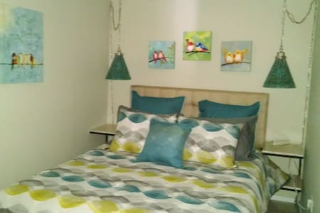 Warm, Cozy Cape Cod Two Room Mini-Suite - 아파트