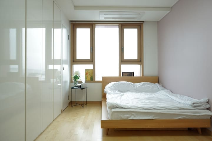 New, Simple, Clean studio in front of metro - Suji-gu, Yongin-si - Apartment