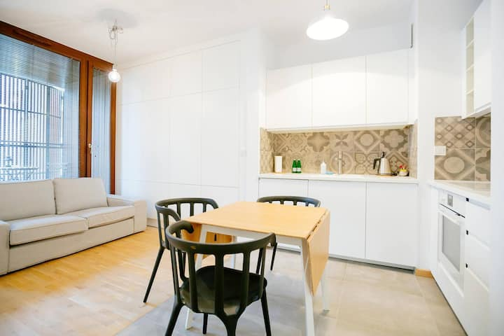 Studio Apartment-7 min.by tram to the city center!