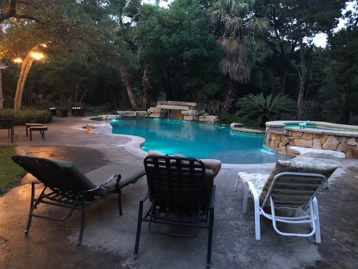 Secluded, Private Pool & Hot Tub Acres Near Austin