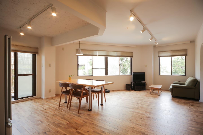 spacious room!!