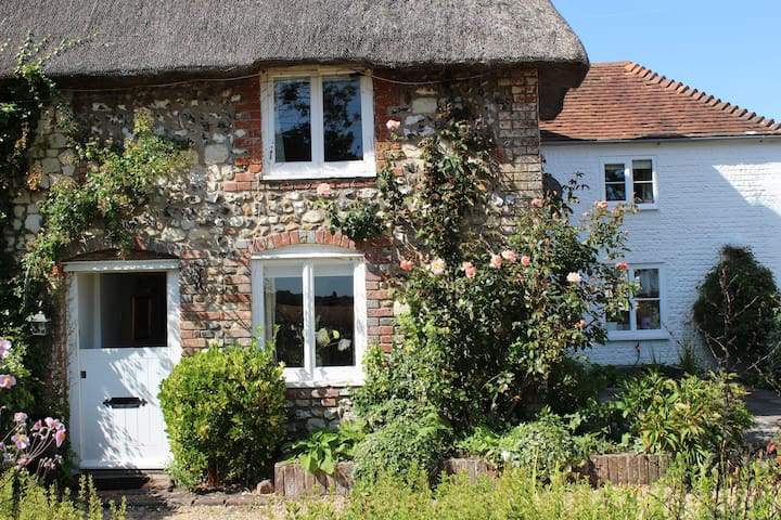 Thatched Cottage in Bosham