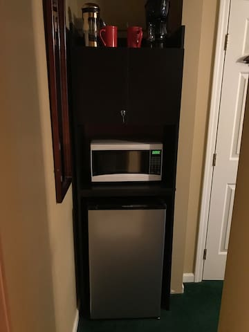 Microwave and refridgerator stocked with your breakfast so you can go with your own schedule!