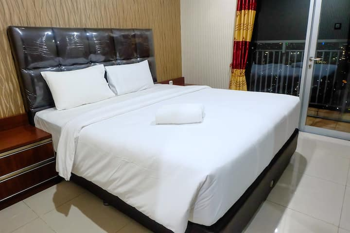 1 BR Cosmo Mansion Apt W/ Access To Thamrin City