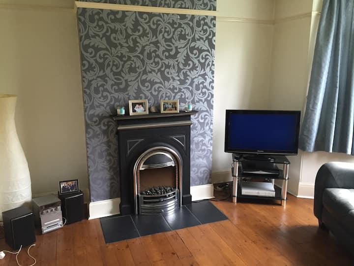 North Leeds home with single room .
