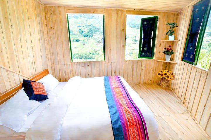 Nhà gỗ phòng riêng, view sông Mường Hoa,