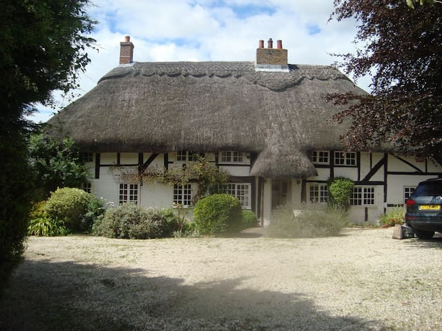 Grade 2 thatched cottage - East ashling, Chichester - Casa