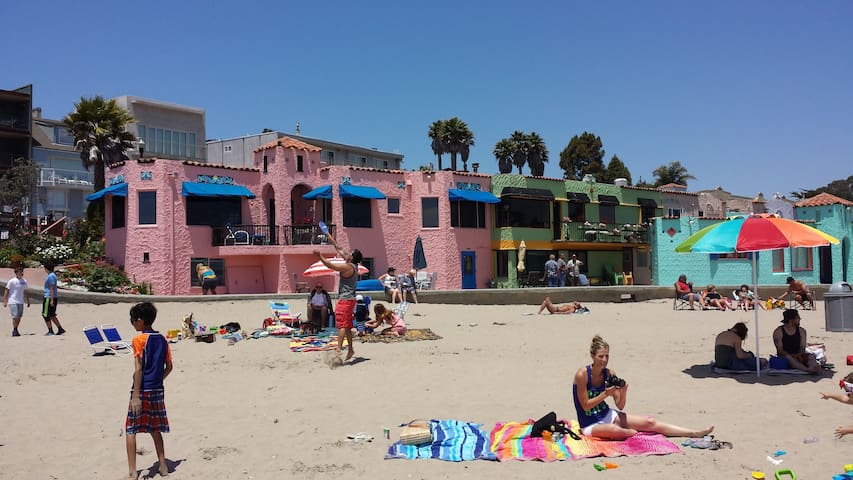 Capitola Venetian Beach Front- 12 Steps to Sand!