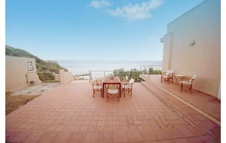 Holiday cottage with 4 bedrooms on 130m² in Agios Amilianos Chios