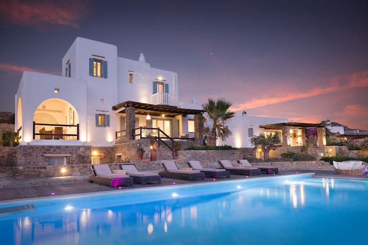 PRIVATE VILLA -FANARI MYKONOS
