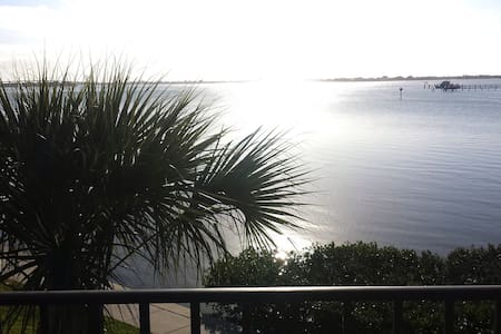 Great Location! Bay View! - Belleair