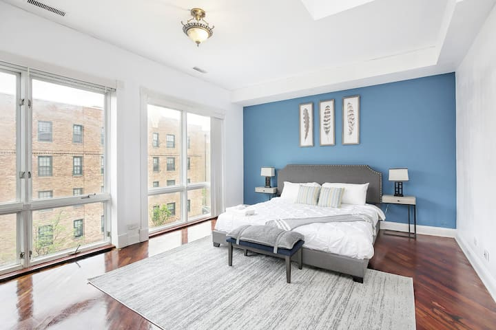 Jaunt|50%Off Cleaning|Fantastic 2 Story Penthouse