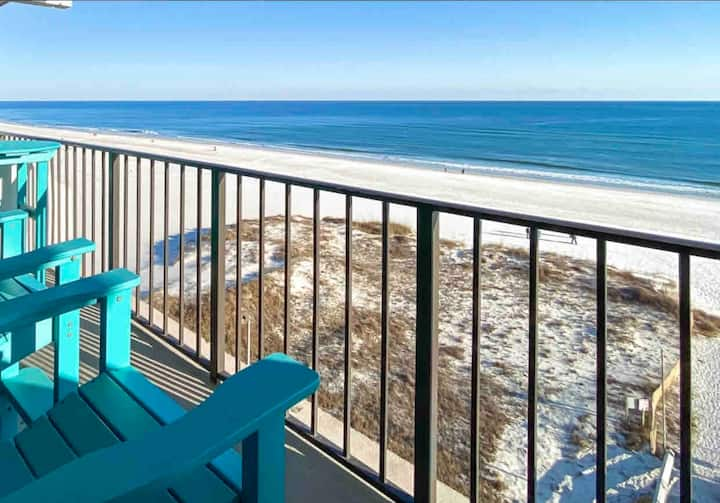 Beachfront - Amazing Location - Spectacular Views!