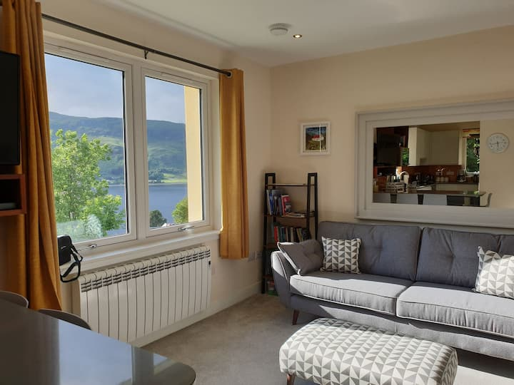Beautiful 4 bedroom Lochaber apartment loch views