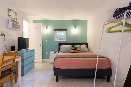 Private Bungalow Tiny House Central Near Brickell