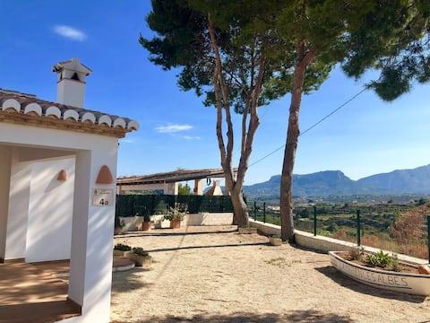 Villa (plný majetek) s úžasným výhledem.