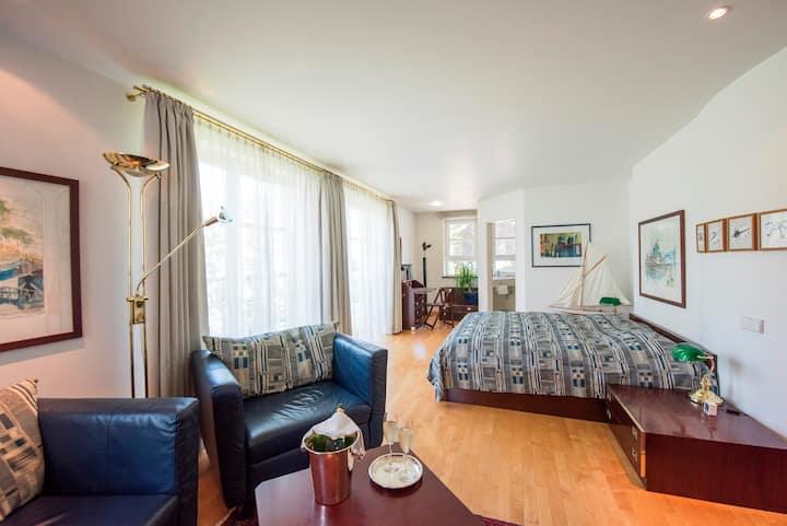 Hotel ArtVilla am See, (Radolfzell-Mettnau), Doppelzimmer Alicante, Killarney & Montreal