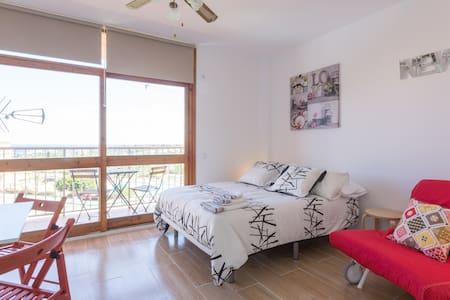 Brand New Studio WiFi and Pool Cales de Mallorca - Cales de Mallorca - Apartament