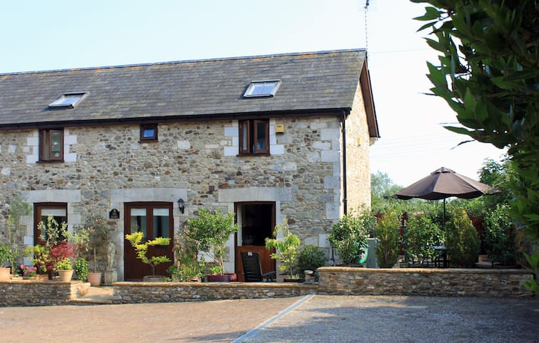 Attractive Barn Conversion - Seaton - Hus