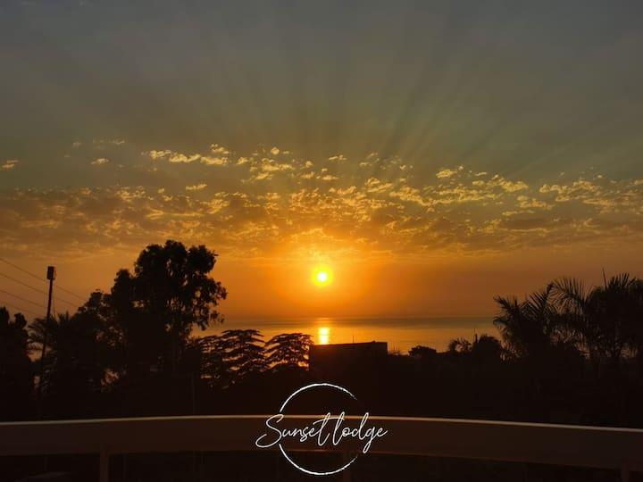Sunset Lodge Fidar