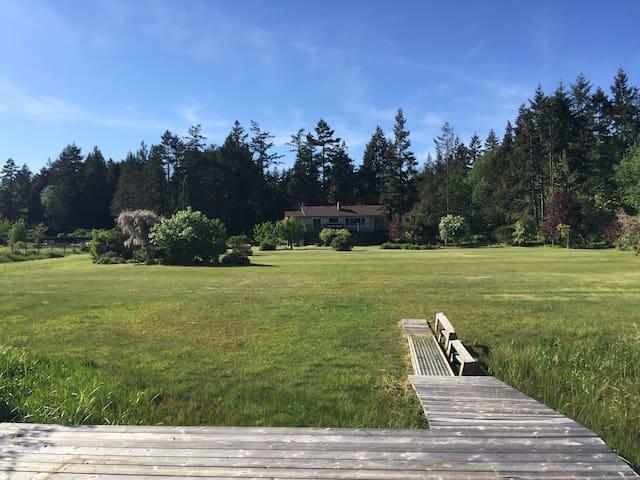 Nanaimo lake view/lake access house - Lantzville - Hus
