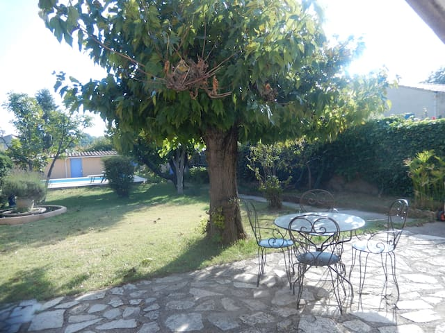 appart 75 m2 , rez de jardin,  piscine - Carpentras - Apartment