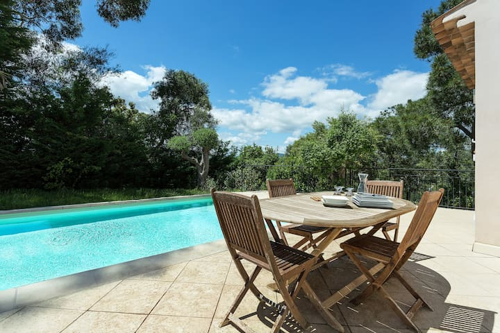 Piscine Privée ! Belle Villa 7p à 1km de Sainte-Maxime