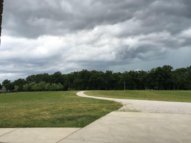 RV Parking ONLY: 17 Acres - Auburn - Muu