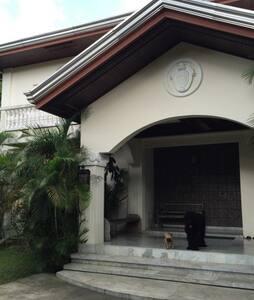 Grove House, Colonial Grandeur TAAL - Manila