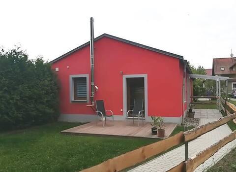 Ruhige barrierefreie Wohnung in Pirna mit Garten